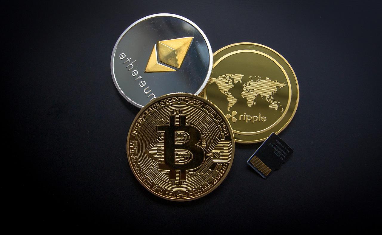 Kryptowährungen vs. Aktien – schlägt das Pendelt wieder zurück?